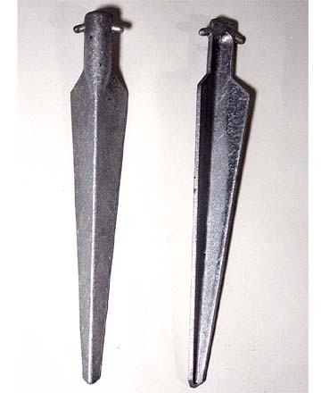 Pair of Nato Aluminum Angle V-Stake (11 1/4 inch)
